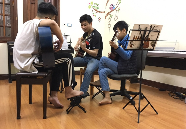 khóa học guitar đệm hát cho người mới bắt đầu